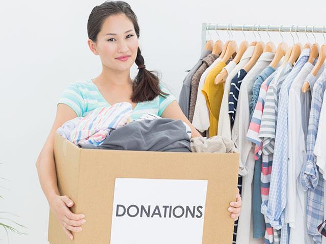 clutter-closet-donate