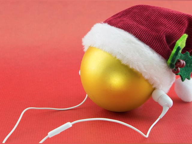 christmas-earbuds-music