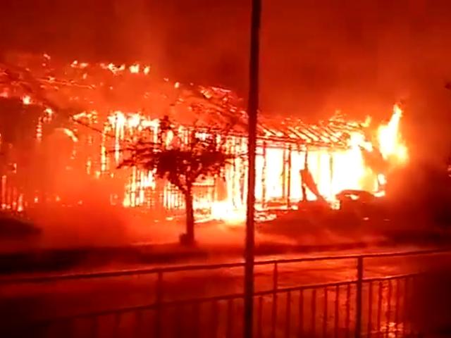 Templo de la Iglesia Asambleas de Dios en Temuco ardió en llamas.