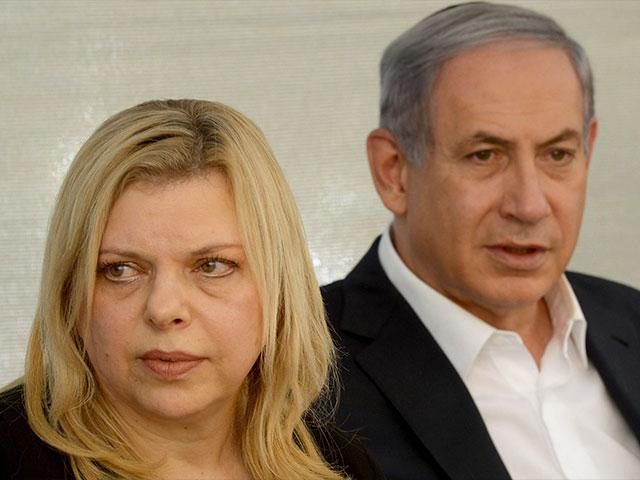 Prime Minister Benjamin Netanyahu and his wife, Sara, at a state memorial commemorating the death of Yoni Netanyahu in the operation to free Israeli hostages in Entebbe, Uganda, Photo, GPO archive, Amos Ben Gershom