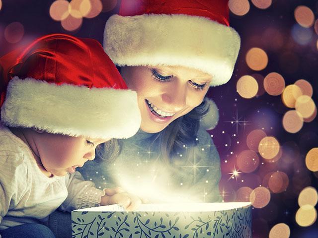 opening-christmas-gift