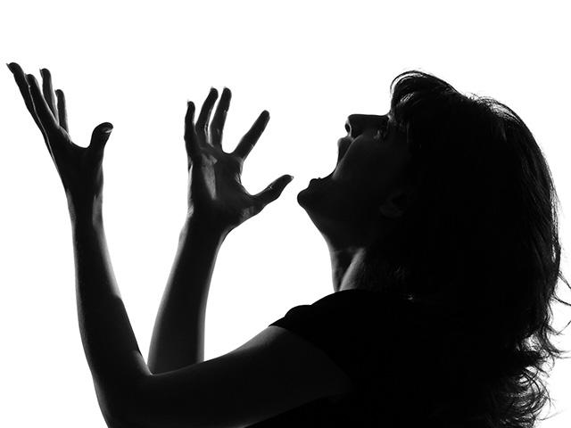 silhouette-woman-screaming_si.jpg