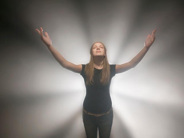 woman-spiritual-retreat_si.jpg
